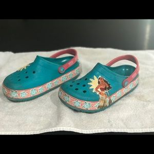 Kids' CrocsLights Disney Moana™ Clog size 1-2